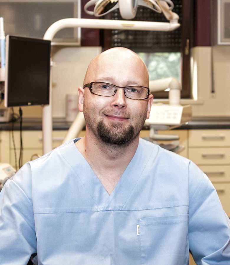 Tomasz-wierczek-stomatologia